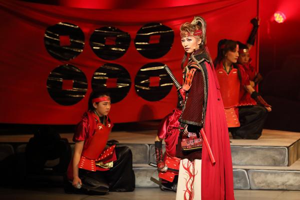 「大阪城パラディオン」初演 舞台写真