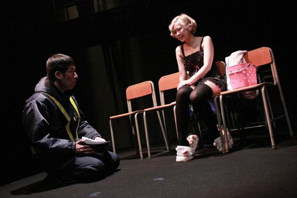 前回公演「つきまとう教室」舞台写真