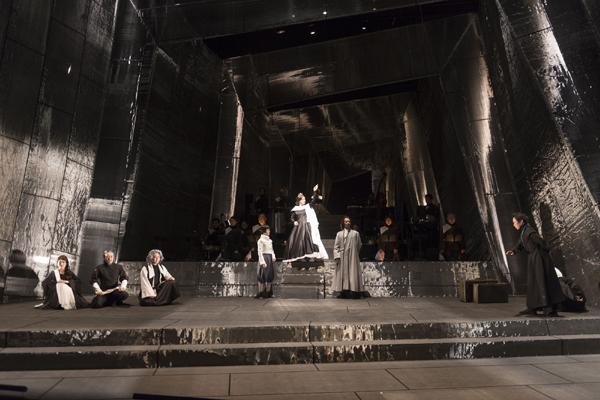 SPAC 舞台「冬物語」 舞台写真