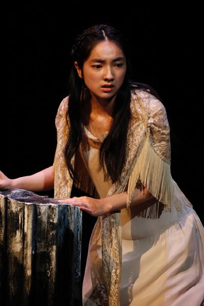 舞台「エレクトラ」仁村紗和 撮影:石川純