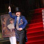 ミュージカル「紳士のための愛と殺人の手引き」舞台写真