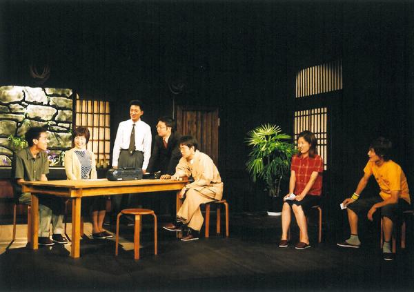 『きゅうりの花』舞台写真(2002年) 撮影:谷古宇正彦