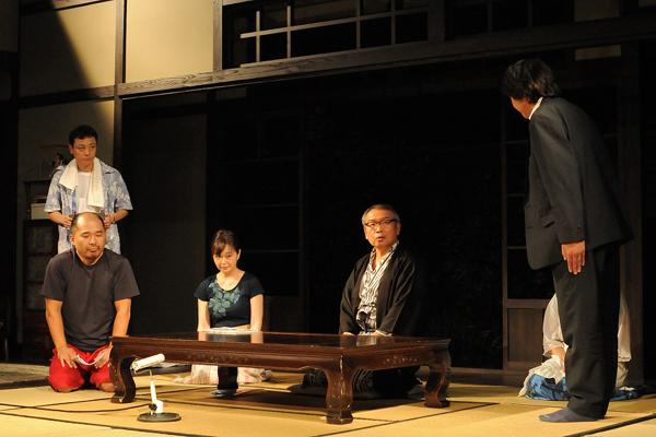 左より 矢崎文也、山﨑秀樹、小林さやか、平尾仁、山賀教弘 撮影=坂本正郁