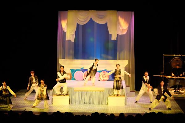 前回公演「音楽劇アラビアンナイト」(たましんRISURUホール・大ホール)
