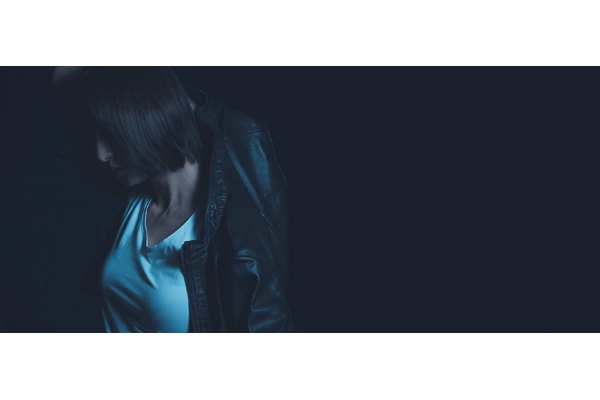 舞台「アンフェアな月」主演の篠田麻里子