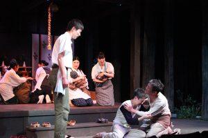 劇団俳協「闇に咲く花」