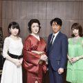 写真左から 春本由香・河合雪之丞・喜多村緑郎・貴城けい