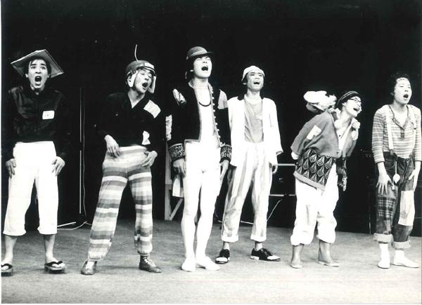 『ドラム一発~』舞台写真