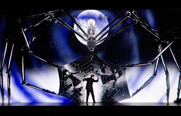 ベルリン・コーミッシェ・オーパーの来日公演 オペラ「魔笛」(C)Komische Oper Berlin