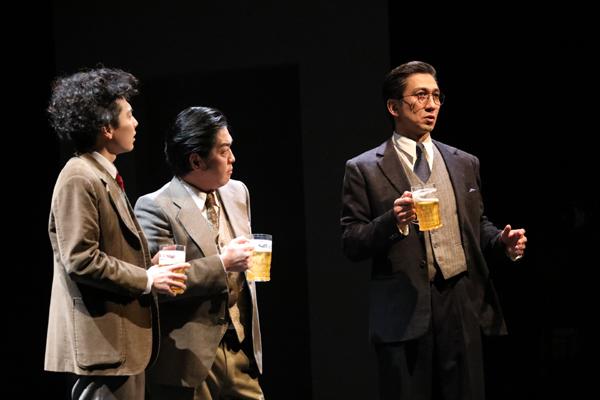 舞台「フォトグラフ51」神尾佑、宮崎秋人、中村亀鶴 撮影:花井智子