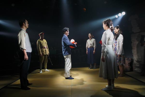 流山児★事務所『満州戦線』撮影:横田敦史