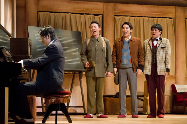 舞台「宝塚BOYS」team SEA 撮影:桜井隆幸
