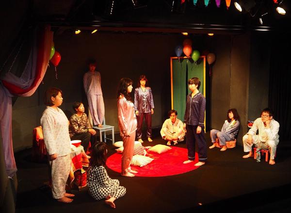 メロトゲニpage.2「リトル・エスパーティ」舞台写真 撮影:金子ゆり(メロトゲニ)