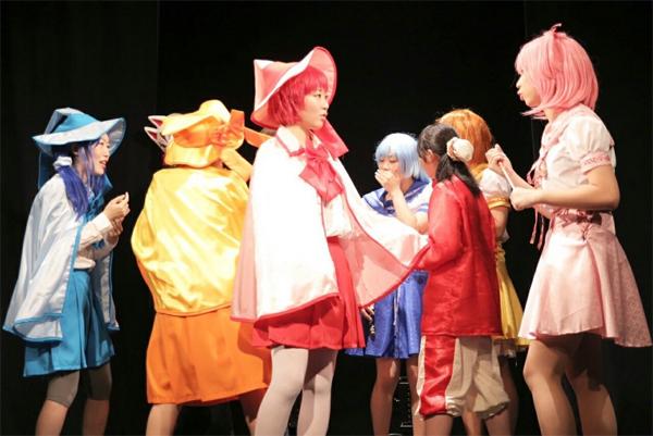 怪奇月蝕キヲテラエNO.1『魔女見習いは25歳を前に、美魔女になることを選んだ』 撮影:飯田奈海