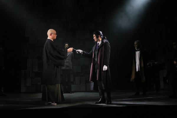 舞台「文豪ストレイドッグス 黒の時代」撮影:阿久津知宏