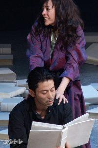 舞台「華氏451度」吉沢悠、美波