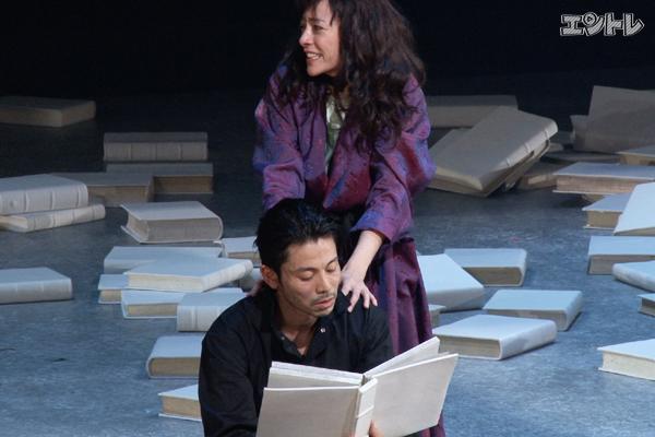 舞台「華氏451度」KAATで開幕!