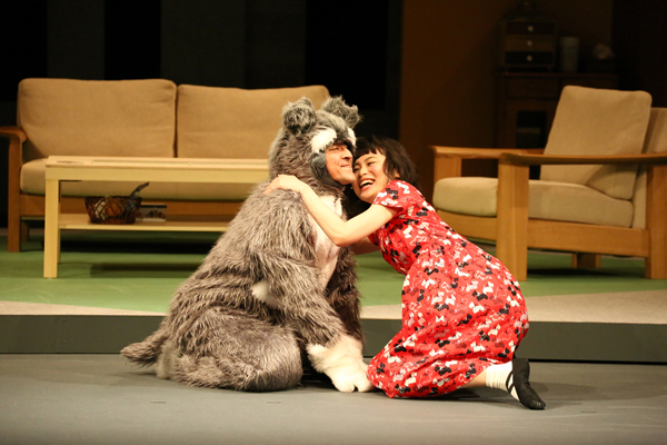 月刊「根本宗子」『愛犬ポリーの死、そして家族の話』撮影:田中亜紀