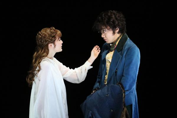 「ナターシャ・ピエール・アンド・ザ・グレート・コメット・オブ・1812」写真提供:東宝演劇部
