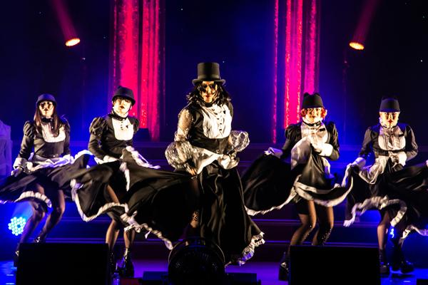 東京ゲゲゲイ歌劇団『黒猫ホテル』Photo by ARISAK