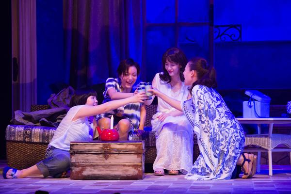 KERA CROSS『フローズン・ビーチ』プレビュー公演が開幕