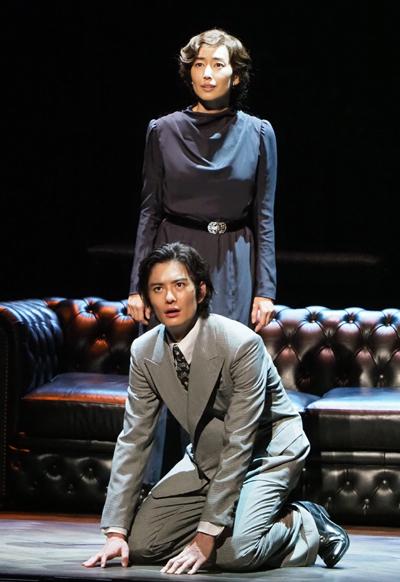 舞台「ブラッケン・ムーア」 写真提供:東宝演劇部