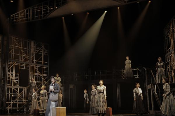 ミュージカル「FACTORY GIRLS(ファクトリー・ガールズ) ~私が描く物語~」 写真撮影:岡千里
