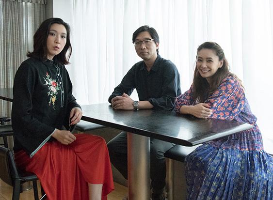 写真左から江口のりこ、倉持裕(作・演出)、倉科カナ