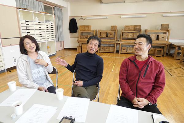 LAPITA☆SHIP旗揚げ公演『THE KIDS 2020』左から橘ゆかり、三浦浩一、小野寺丈