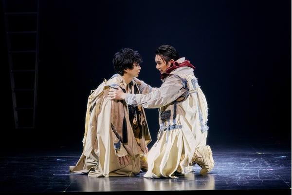 「オレステスとピュラデス」舞台写真 撮影:細野晋司