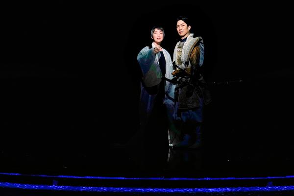 左:若村麻由美 右:野村萬斎