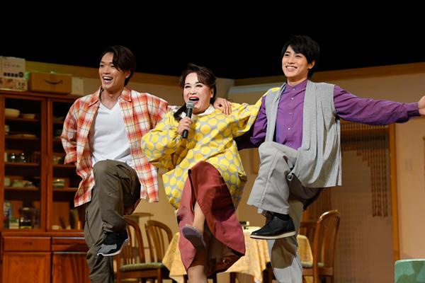 (左から)原嘉孝、渡辺えり、松本幸大