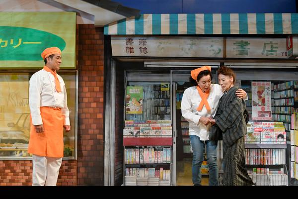 (左から)宇梶剛士、高畑淳子、高橋よしこ