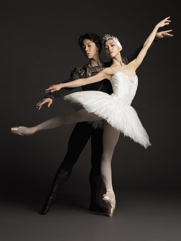 新国立劇場バレエ団『白鳥の湖』 ©Takuya Uchiyama